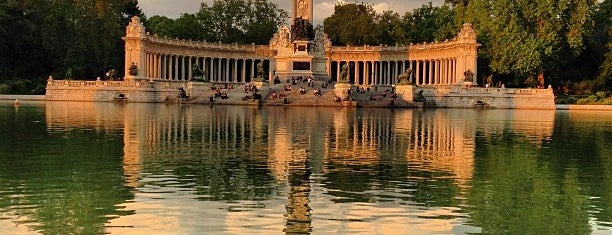 Parque del Retiro is one of Favorite Places Around the World.