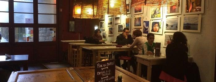 La Báscula de la Cereria is one of Cafes.
