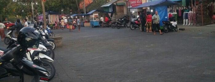 Pasar mengwi is one of Warung MB ( Meja Bundar ).