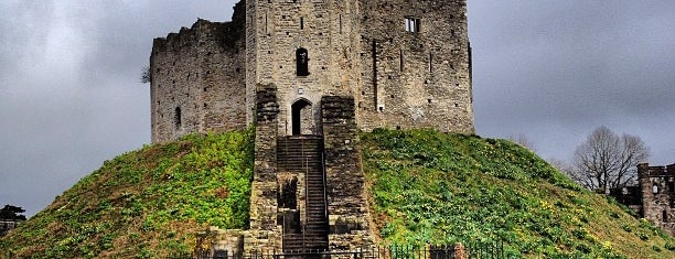 Cardiff Castle / Castell Caerdydd is one of Shelbyart's Favourite Places.