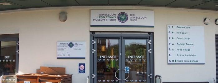 Wimbledon Shор is one of Summer in London/été à Londres.