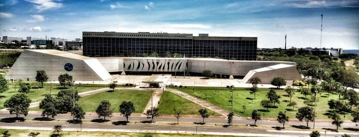 Tribunal Superior do Trabalho (TST) is one of Lugares....