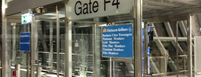 Gate F4 is one of TH-Airport-BKK-1.