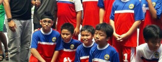 Dynasty Futsal & Cafe is one of Lapangan Futsal.