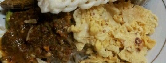Pecel - Rawon Pucang is one of Kuliner Wajib @Surabaya.