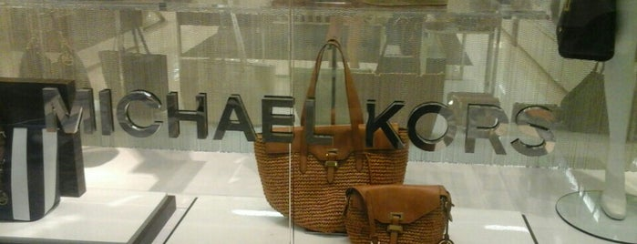 Michael Kors is one of Tiendas en PLAZA.
