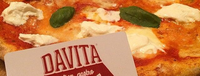 Davita italian gastro market is one of Una mica d'Itàlia a Barcelona.
