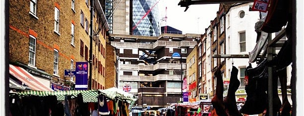 Petticoat Lane Market is one of #LoveE1.