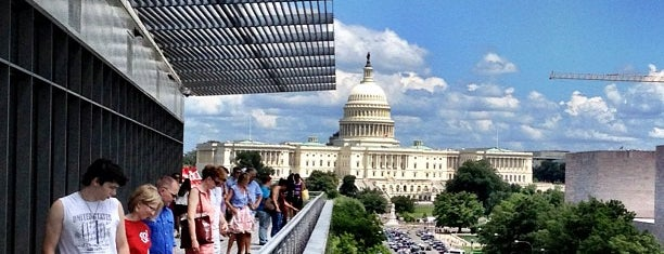 Newseum is one of Badge list.