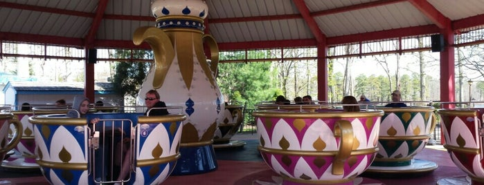Tea Cups is one of Favorite Arts & Entertainment.