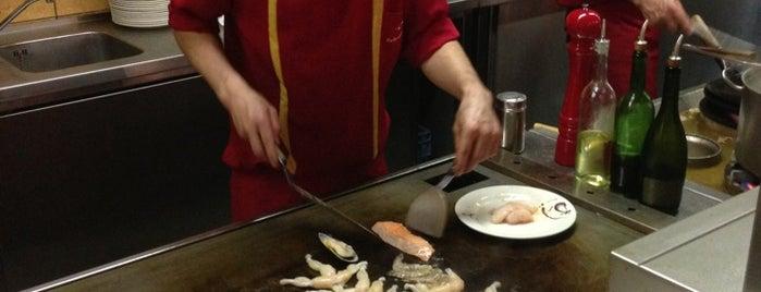Gouden Wok is one of Resto.