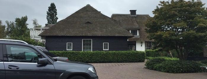 Restaurant Lindenhof is one of 2 Michelinsterren.