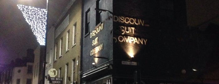Discount Suit Company is one of Drinking London.