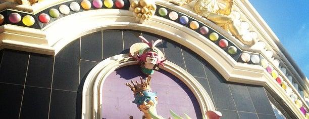 Harrah's Hotel & Casino is one of Viva Las Vegas.