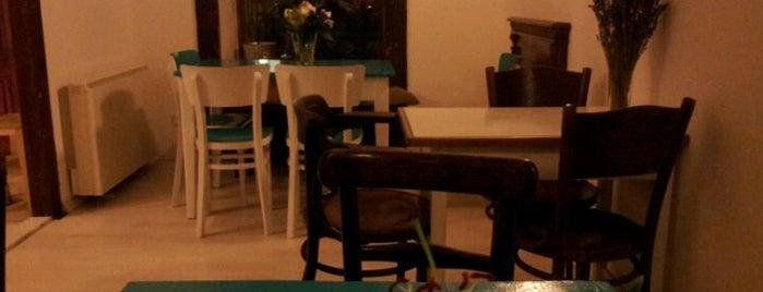 Prádelna Cafe is one of Vinohrady - kde jíst a pít.