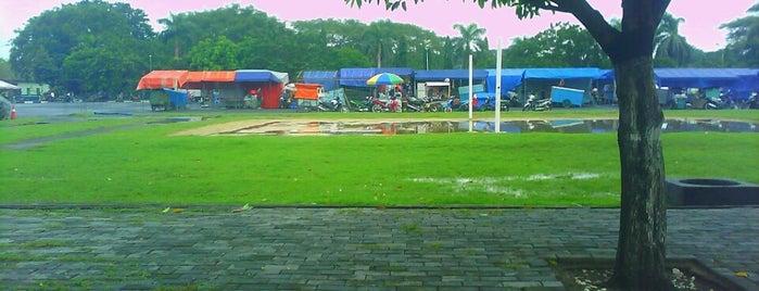 Pasar Malam Lapangan Kodam V Brawijaya is one of Jalan2 Kota SURABAYA.
