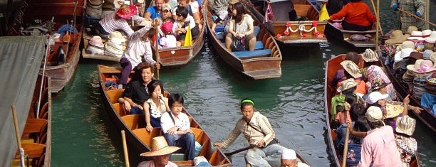 Damnoen Saduak Floating Market is one of Marketplace ¥.