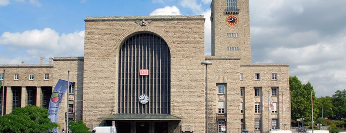 Stuttgart Hauptbahnhof is one of Top 40 Foursquare Bahnhöfe.
