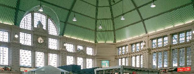 Halle (Saale) Hauptbahnhof is one of Top 40 Foursquare Bahnhöfe.