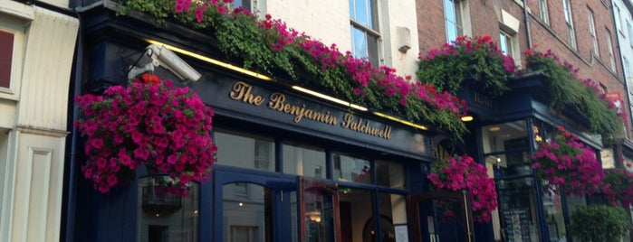 The Benjamin Satchwell (Wetherspoon) is one of Leamington Nightlife.