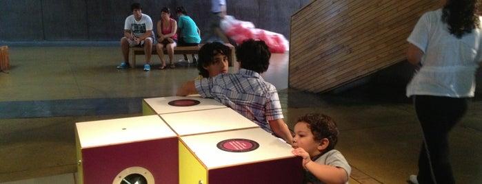 Museo Interactivo Mirador is one of Para visitar en Santiago.