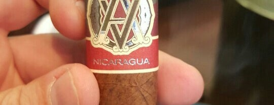 Signature Cigars is one of La Palina Retailers.