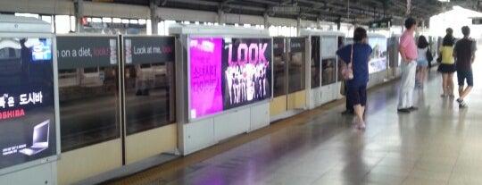 강변역 (Gangbyeon Stn.) is one of Subway Stations in Seoul(line1~4 & DX).
