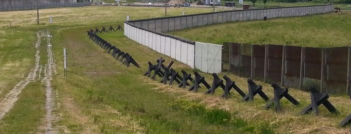 Grenzdenkmal Hötensleben is one of Innerdt. Grenze / Berliner Mauer - german border.
