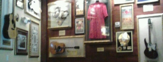 Hard Rock Cafe San Francisco is one of HARD ROCK CAFE'S.