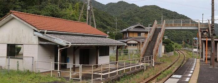 阿波大宮駅 (Awa-Ōmiya Sta.) is one of JR.