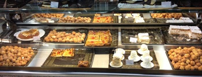 Horno Rafelet is one of los mejores sitios para comer en Alicante.
