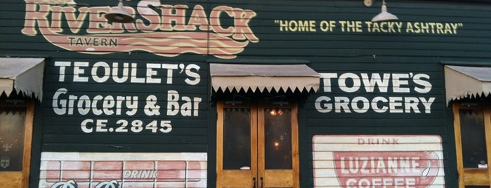 Rivershack Tavern is one of DINERS DRIVE-IN & DIVES 3.