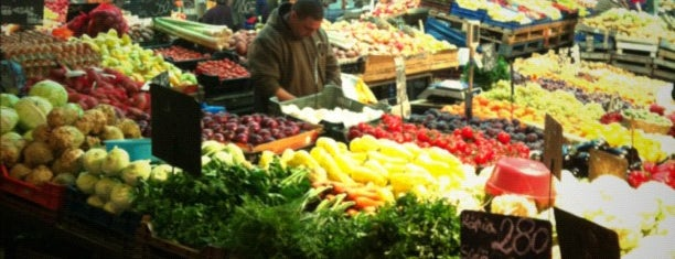 Óbudai piac is one of Hasznos boltok óbudán.