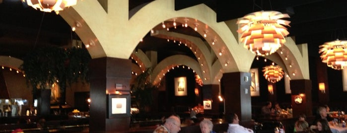 Houston's Restaurant is one of Foodie!.