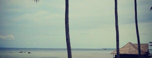 Pantai Trikora is one of Kepri.
