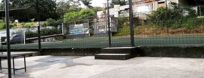 Metro Gol is one of Plazas, Parques, Zoologicos Y Algo Mas.