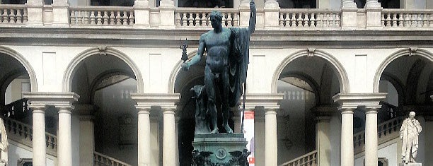 Pinacoteca di Brera is one of Restaurants milano.