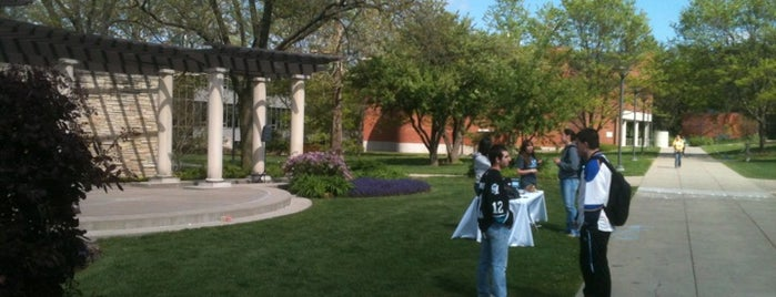 Helmick Commons is one of Drake University.