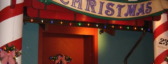 Disney's Days Of Christmas is one of Downtown Disney.