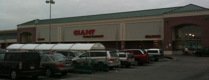 Giant Food Store is one of York College Student Hotspots.