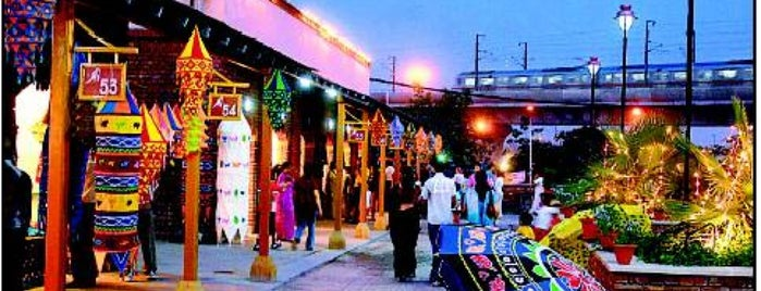 Dilli Haat is one of Top 10 favorites places in New Delhi, India.