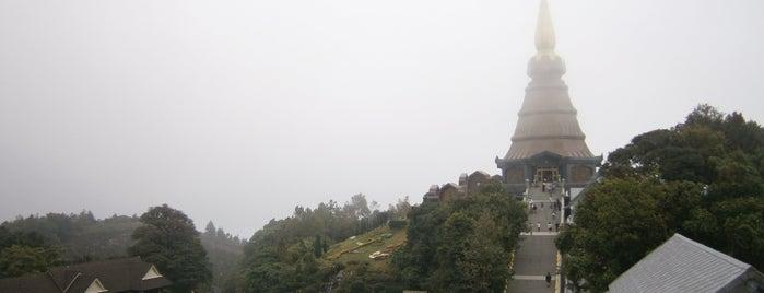 พระมหาธาตุนภเมทนีดล (Phra Maha Dhatu Nabha Metaneedol) is one of Guide to the best spots Chiang Mai|เที่ยวเชียงใหม่.