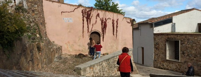 Judería vieja is one of Descubriendo Cáceres.