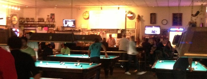 Billco's Billiard and Darts is one of Beers in the Napa Valley.