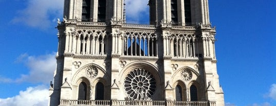 Cathédrale Notre-Dame de Paris is one of Must-See Attractions in Paris.
