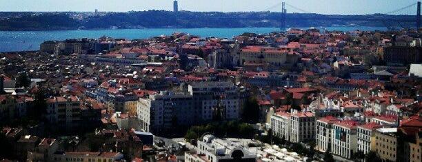 Miradouro da Senhora do Monte is one of Cantinhos de LX.