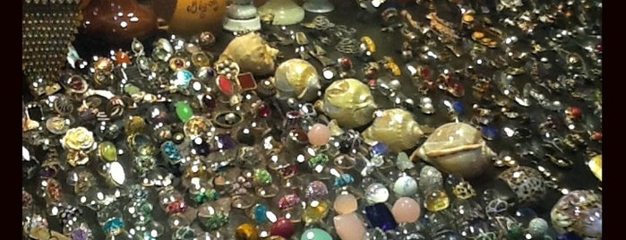 Gümüşçüler Çarşısı is one of Shopping.