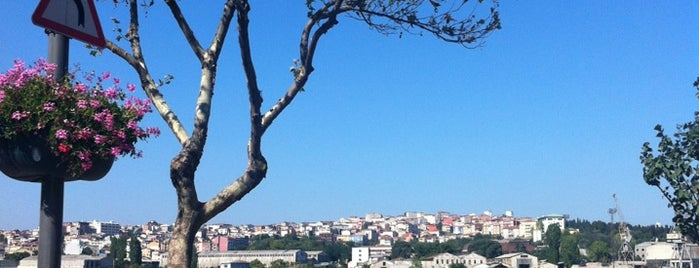 Balat Sahili is one of A local's guide: 48 hours in Istanbul, Türkiye.