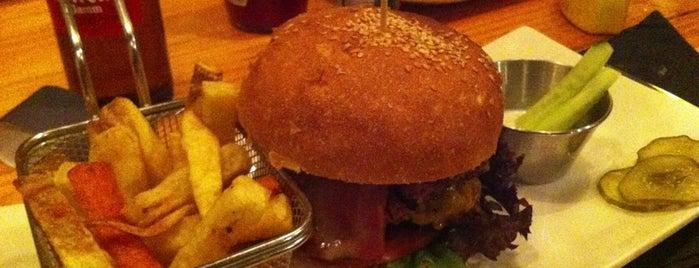 Zombie Bar is one of hamburguesas y asi.