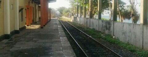 Wellawatte Railway Station is one of Railway Stations In Sri Lanka.